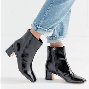 UrbanOutfitters Kate Femme Essential Boot - black